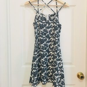 Boohoo Strappy Floral Skater Dress EUC